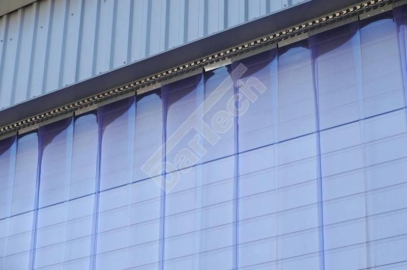 Víztiszta PVC hőfüggöny raktárajtóra
